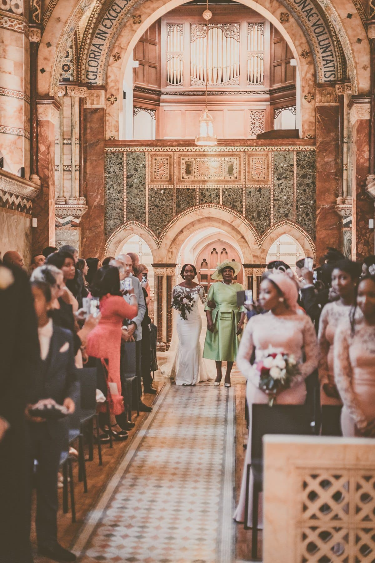 Pronovias-bride-modern-London-wedding-11